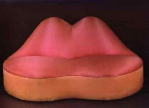Salvador-Dali-Mae-West-Lips-Sofa